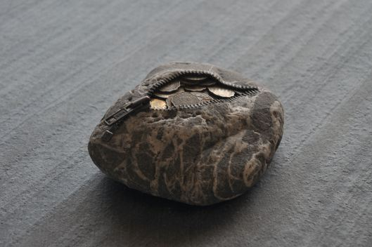 Stone Coin Purse by Hirotoshi Ito