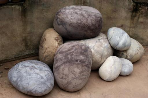 Ronel Jordaan's Wool Rock Stones
