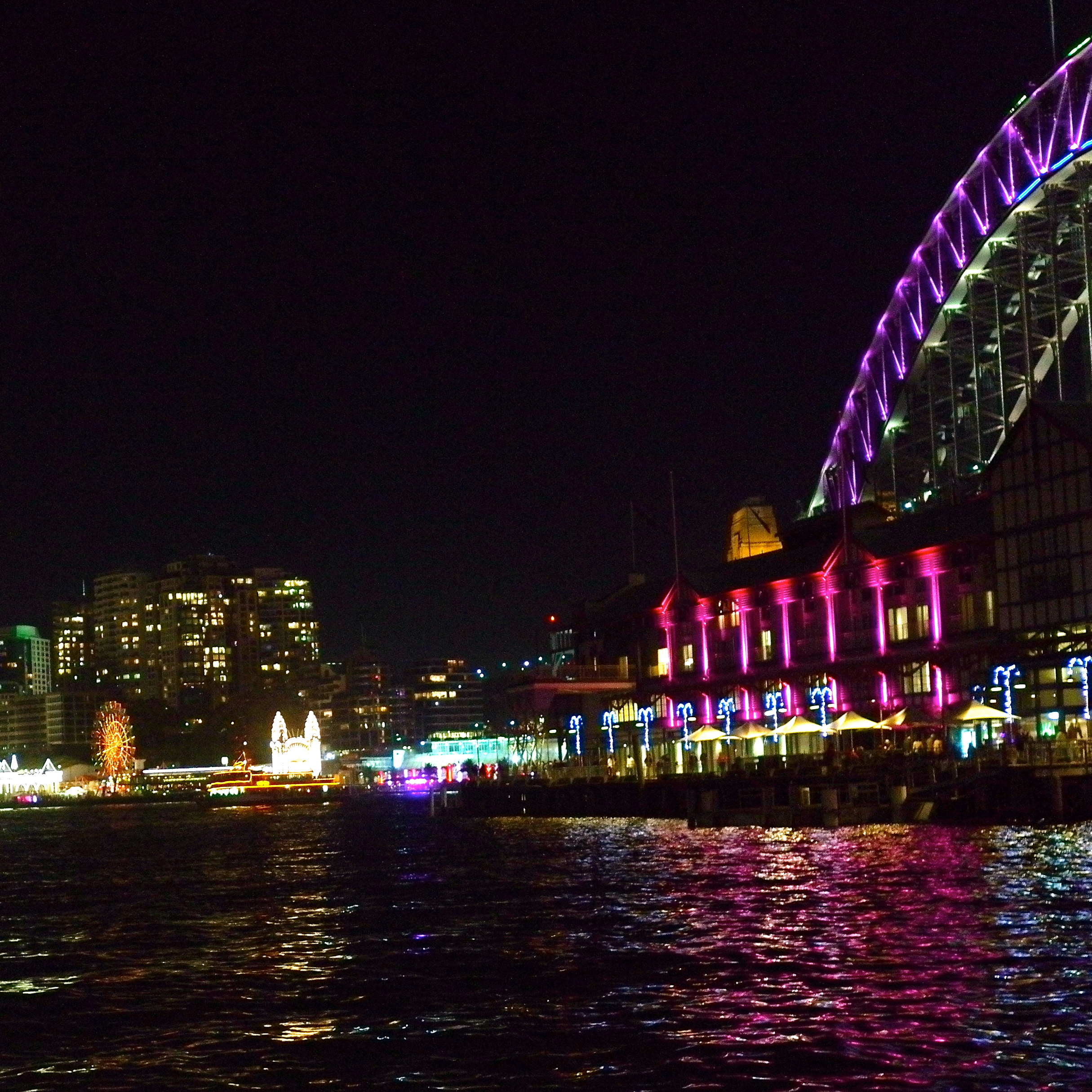 Vivid Sydney  Novotel at Walsh Bay (Image by TSL)