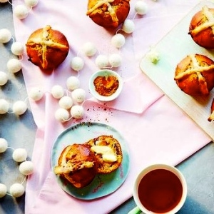 Healthy Hot Cross Buns